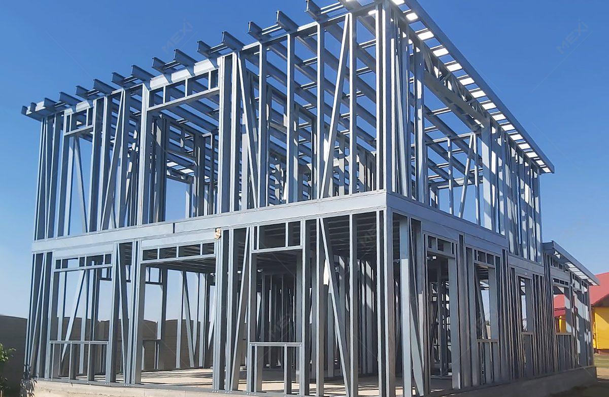 construire casa cu etaj pe structura usoara din otel