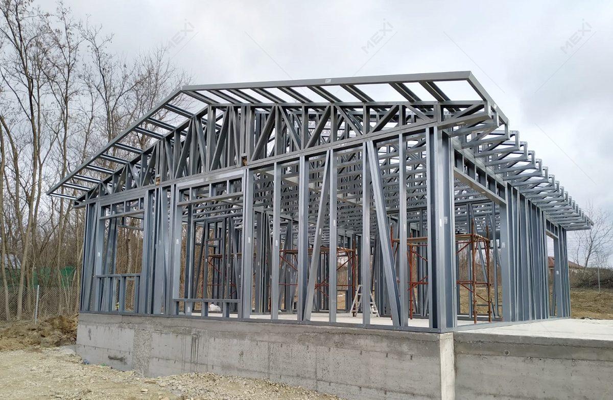 casa familiala pe structura metalica usoara