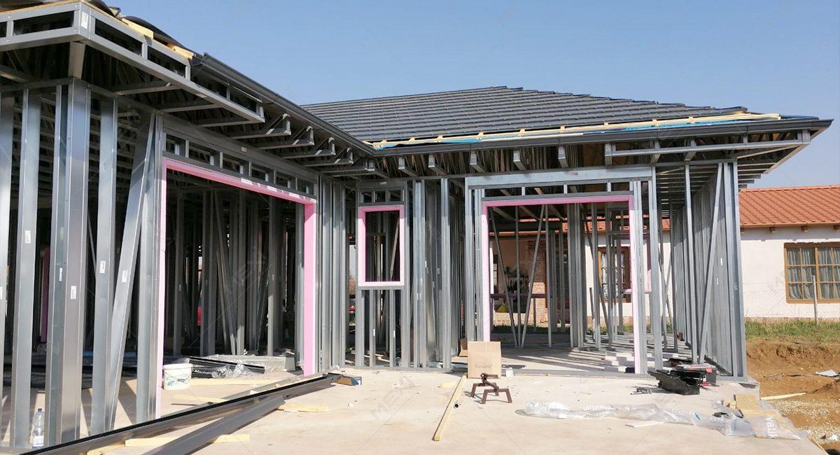 constructie rapida de case pe structura metalica usoara